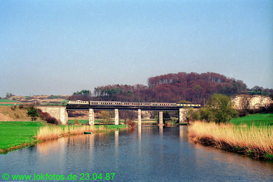 http://www.lokfotos.de/fotos/1987/0423/07381.jpg