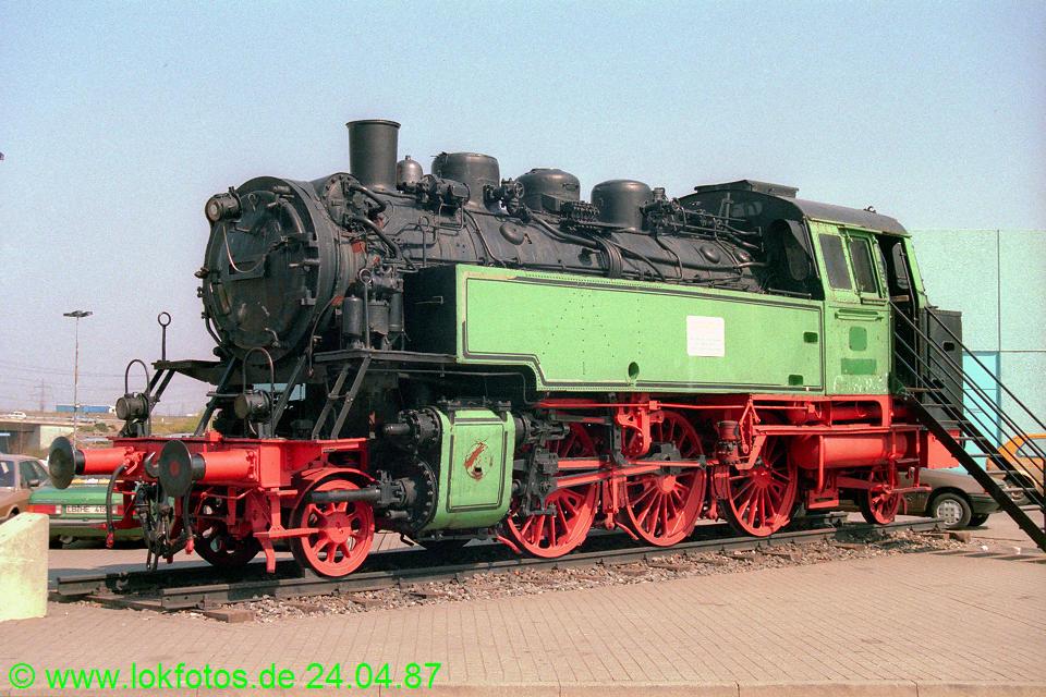 http://www.lokfotos.de/fotos/1987/0424/07421.jpg