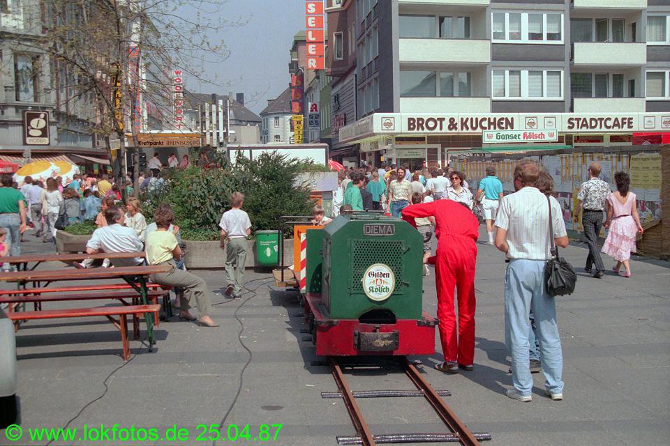 http://www.lokfotos.de/fotos/1987/0425/07424.jpg