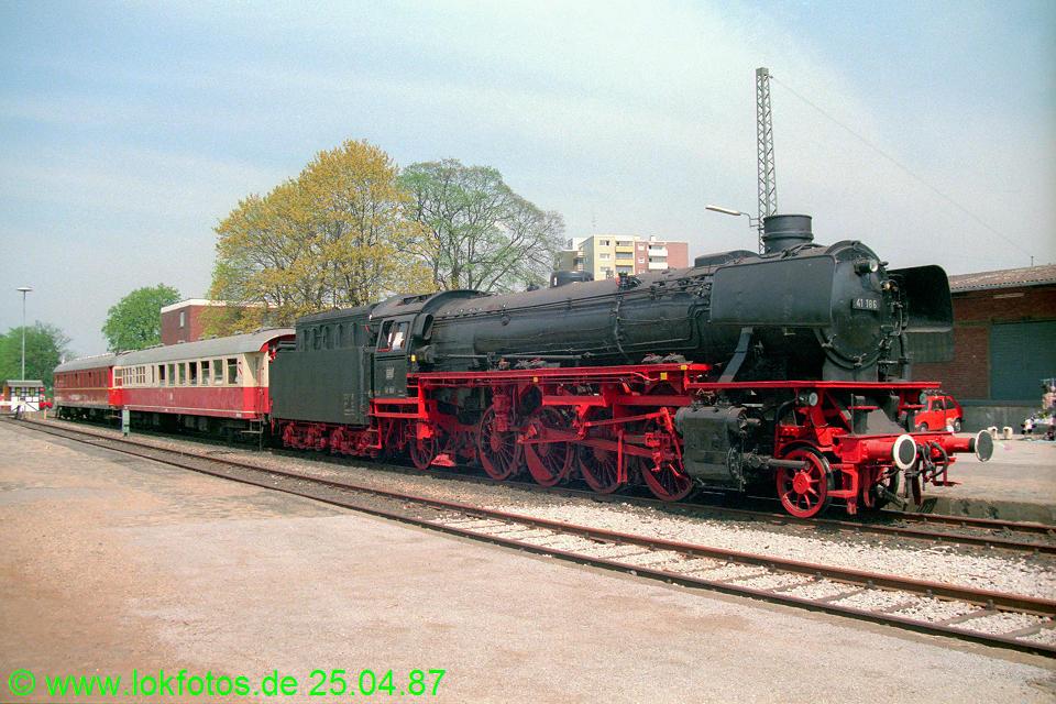 http://www.lokfotos.de/fotos/1987/0425/07430.jpg