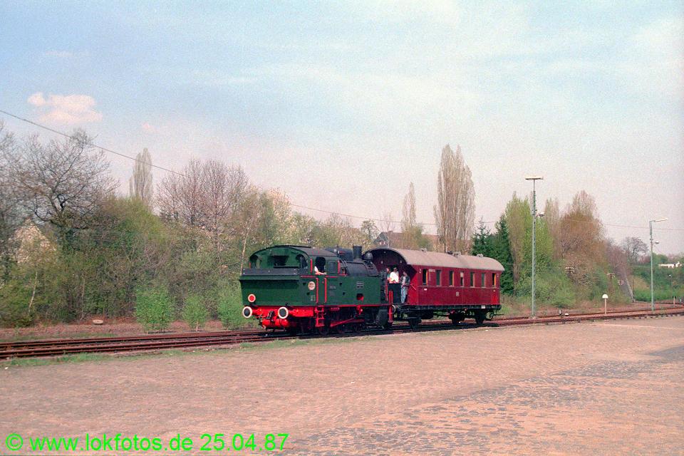 http://www.lokfotos.de/fotos/1987/0425/07432.jpg
