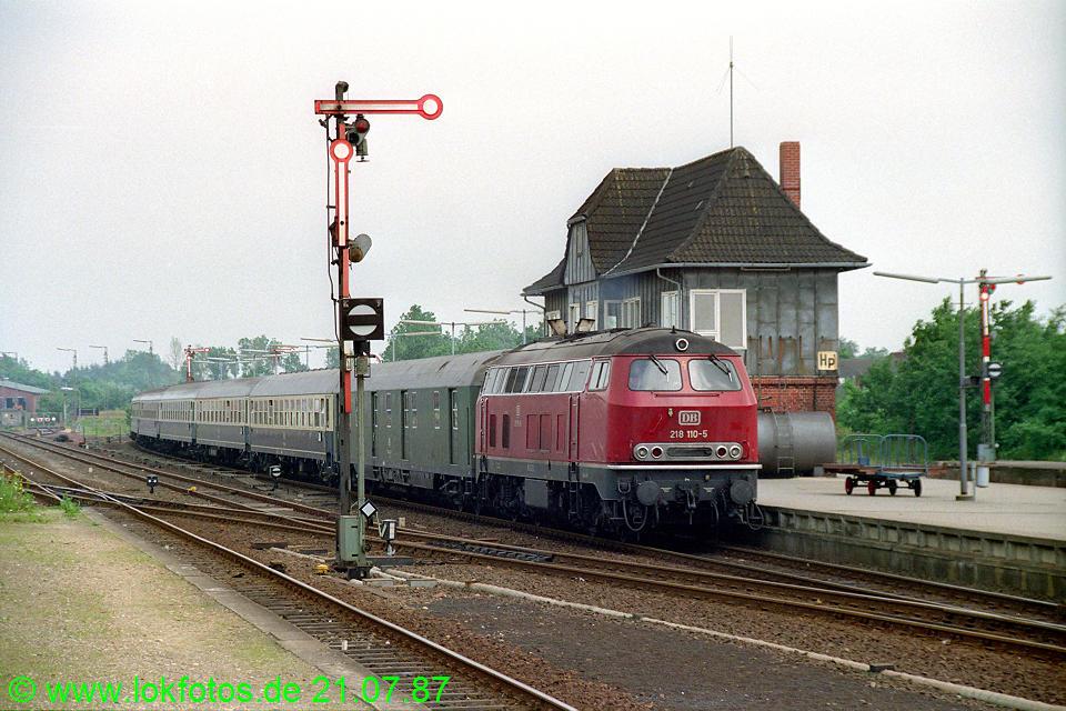 http://www.lokfotos.de/fotos/1987/0721/07549.jpg