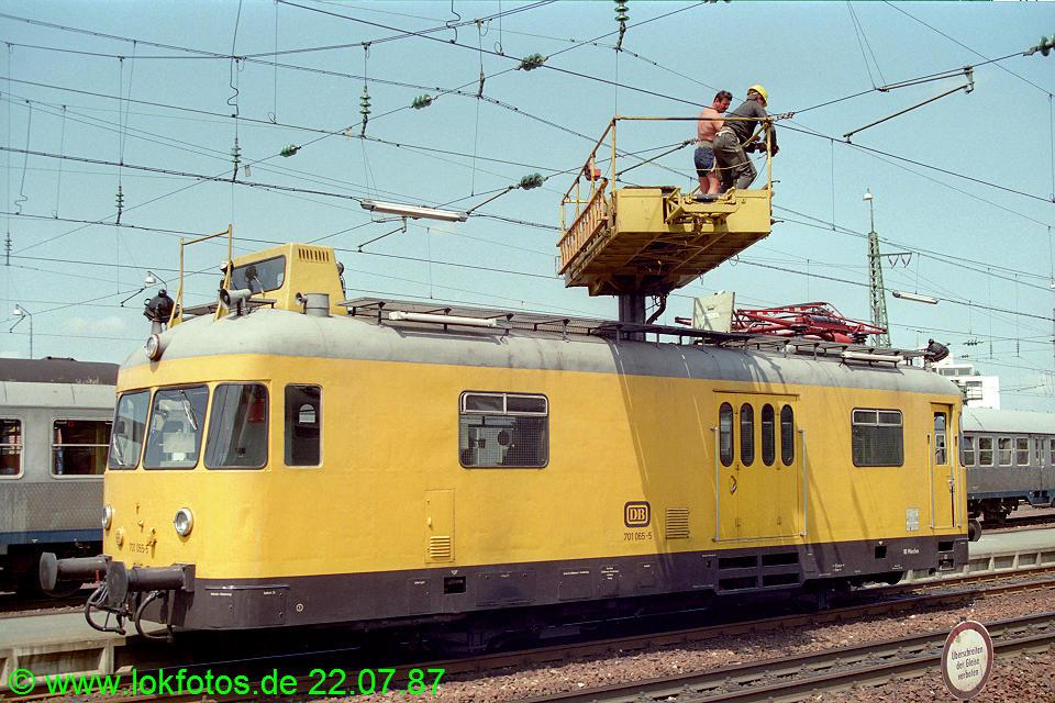 http://www.lokfotos.de/fotos/1987/0722/07564.jpg