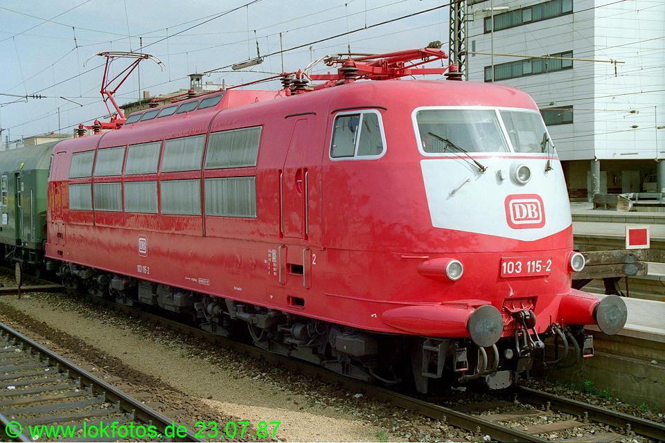 http://www.lokfotos.de/fotos/1987/0723/07577.jpg