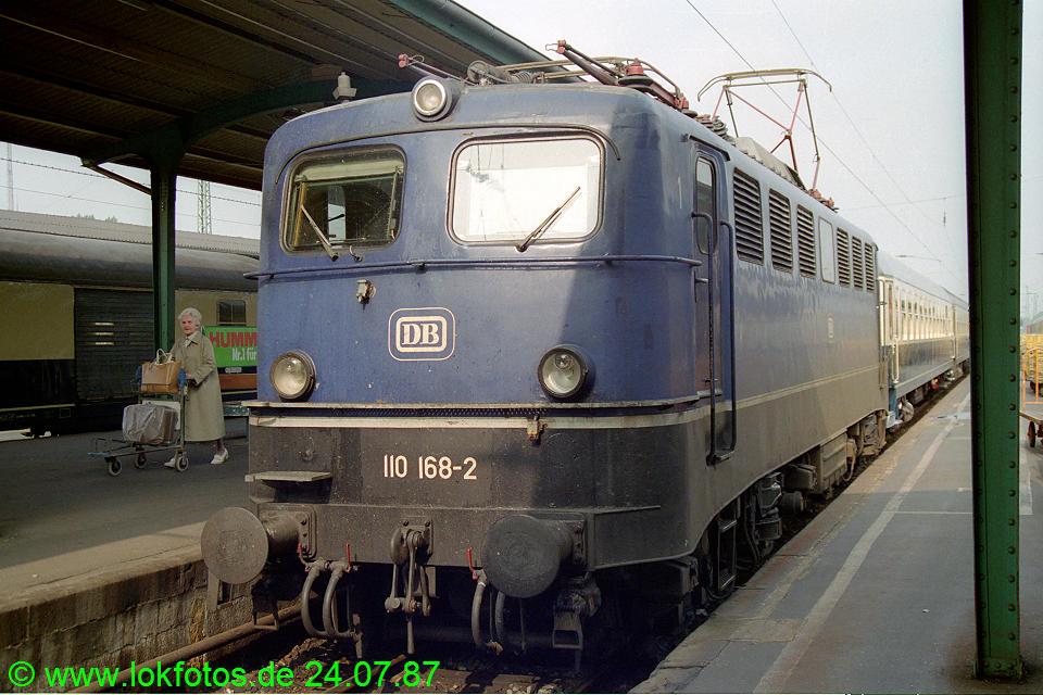 http://www.lokfotos.de/fotos/1987/0724/07588.jpg