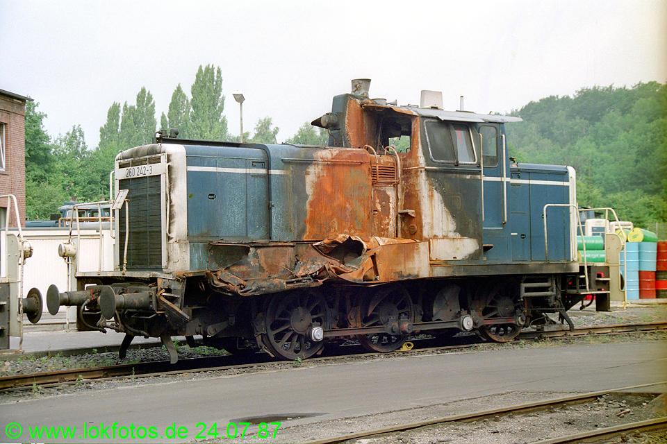http://www.lokfotos.de/fotos/1987/0724/07594.jpg