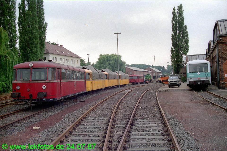 http://www.lokfotos.de/fotos/1987/0724/07669.jpg