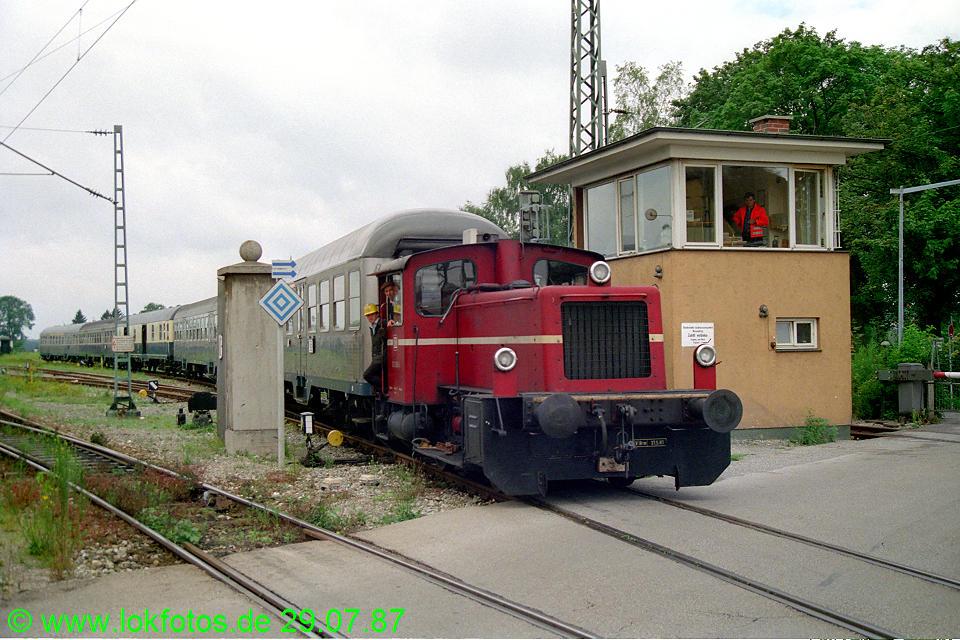 http://www.lokfotos.de/fotos/1987/0729/07704.jpg