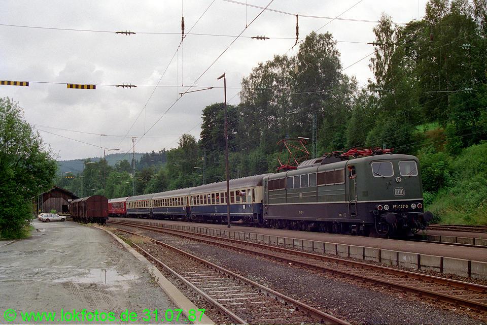 http://www.lokfotos.de/fotos/1987/0731/07738.jpg