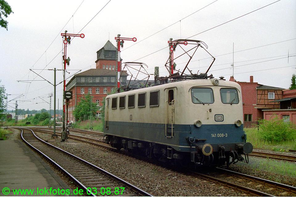 http://www.lokfotos.de/fotos/1987/0803/07813.jpg
