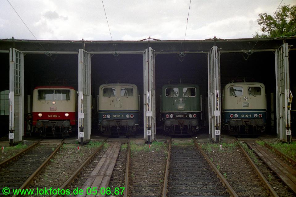 http://www.lokfotos.de/fotos/1987/0805/07909.jpg