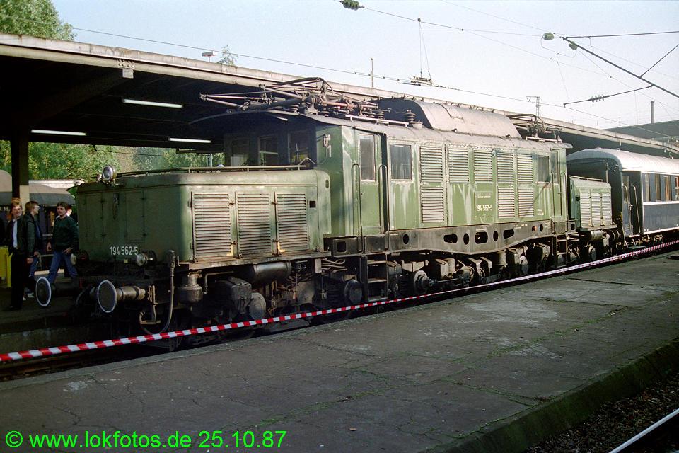 http://www.lokfotos.de/fotos/1987/1025/08129.jpg
