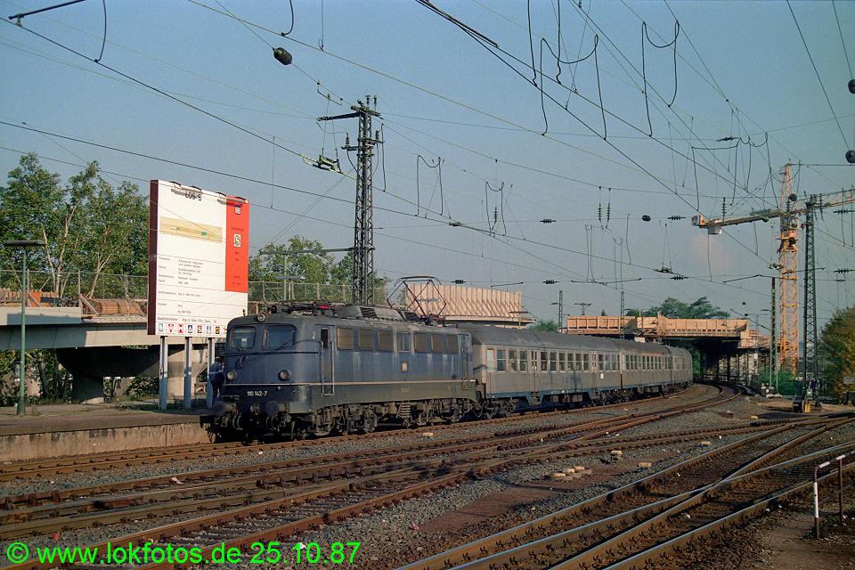 http://www.lokfotos.de/fotos/1987/1025/08131.jpg