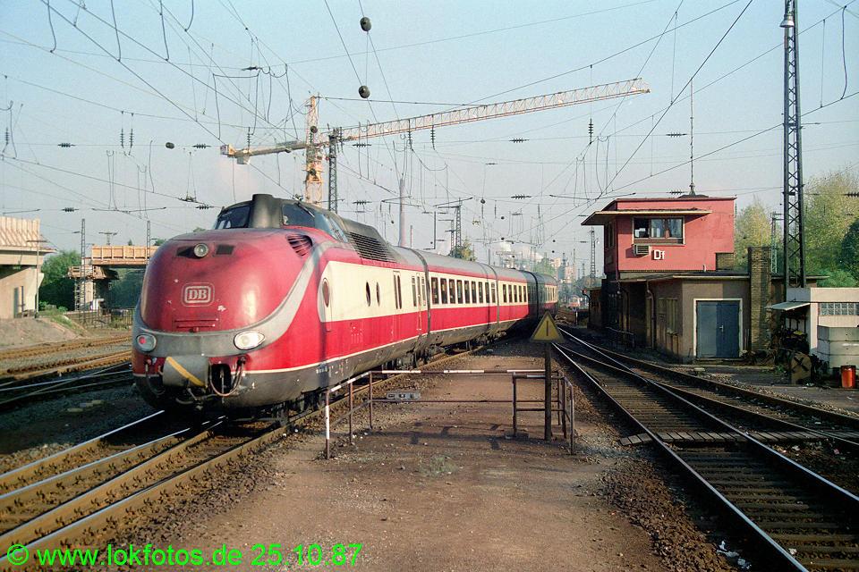 http://www.lokfotos.de/fotos/1987/1025/08132.jpg
