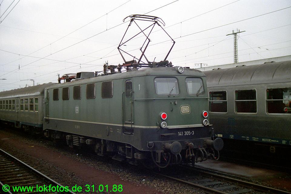 http://www.lokfotos.de/fotos/1988/0131/08145.jpg
