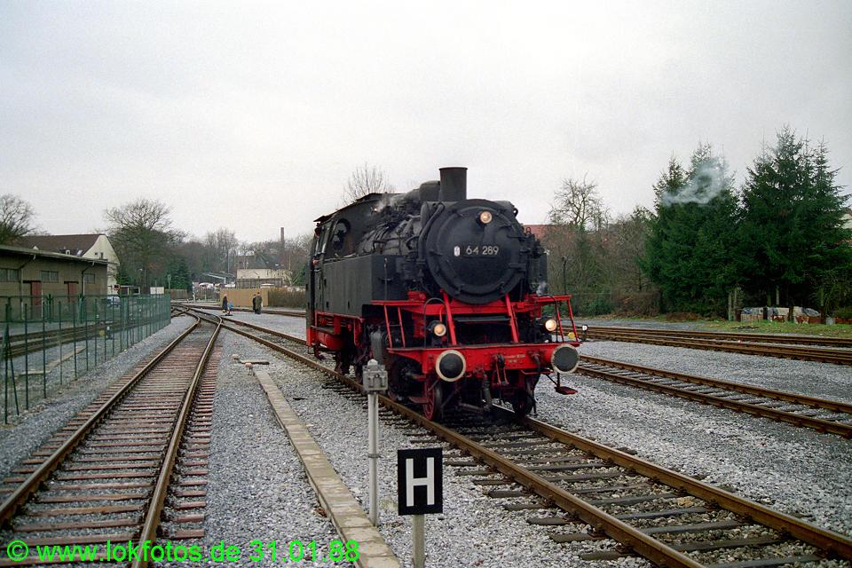 http://www.lokfotos.de/fotos/1988/0131/08147.jpg