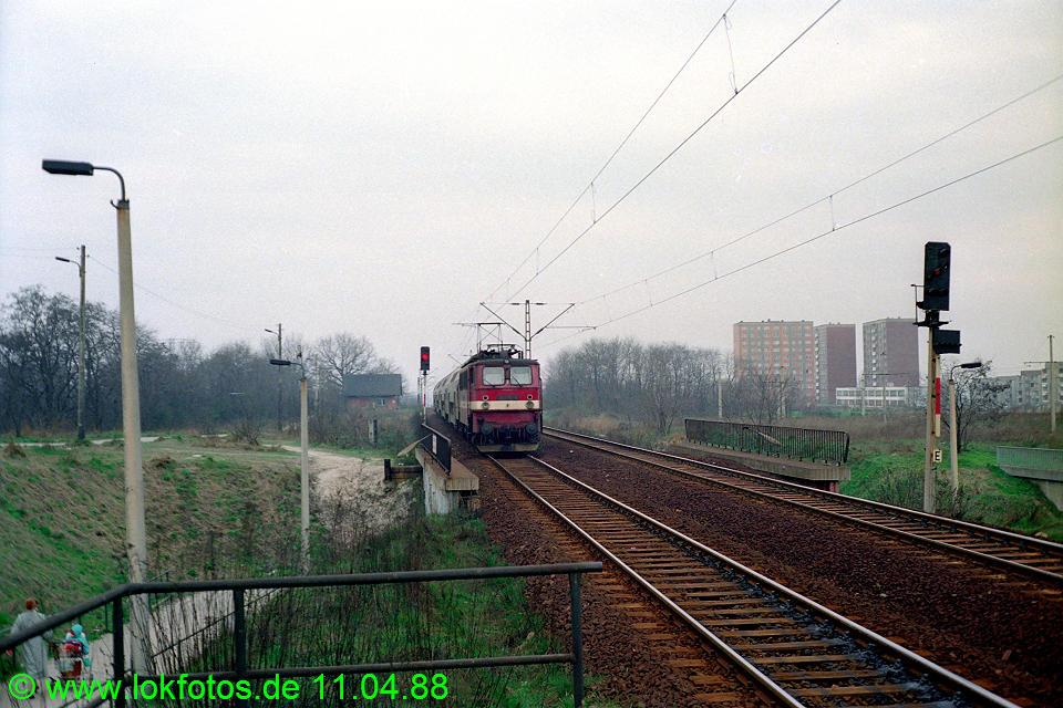 http://www.lokfotos.de/fotos/1988/0411/08212.jpg