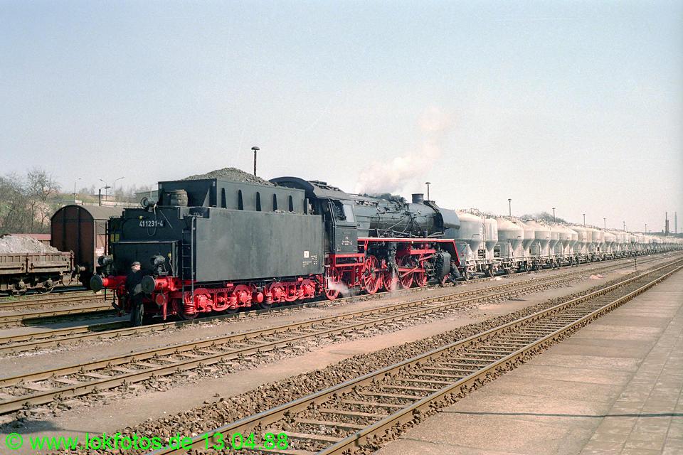 http://www.lokfotos.de/fotos/1988/0413/08244.jpg