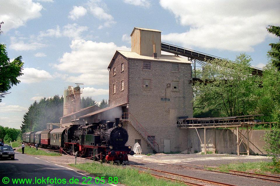 http://www.lokfotos.de/fotos/1988/0522/08328.jpg