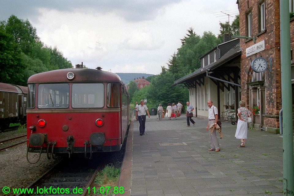 http://www.lokfotos.de/fotos/1988/0711/08423.jpg