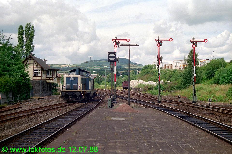 http://www.lokfotos.de/fotos/1988/0712/08434.jpg