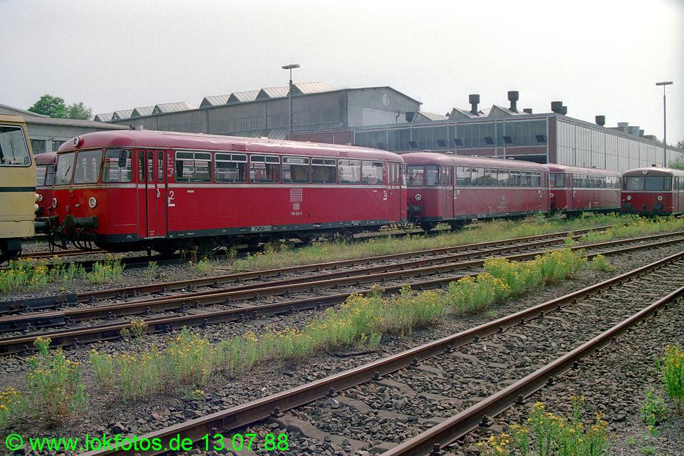 http://www.lokfotos.de/fotos/1988/0713/08452.jpg
