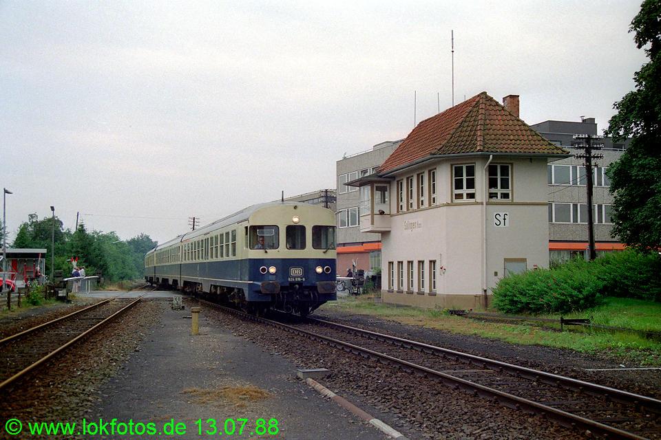 http://www.lokfotos.de/fotos/1988/0713/08502.jpg