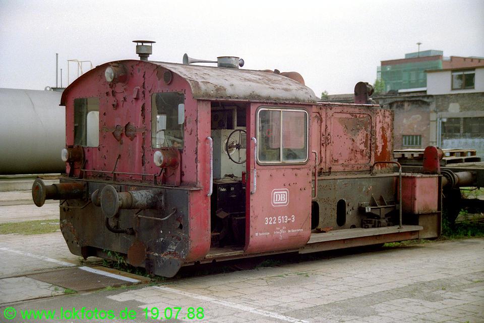 http://www.lokfotos.de/fotos/1988/0719/08526.jpg