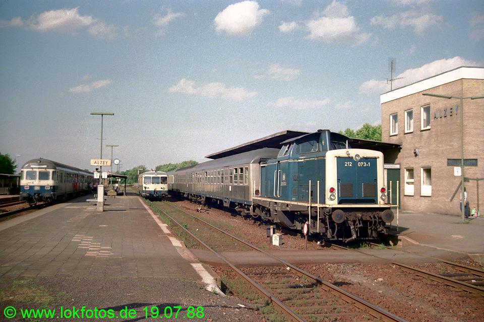 http://www.lokfotos.de/fotos/1988/0719/08547.jpg