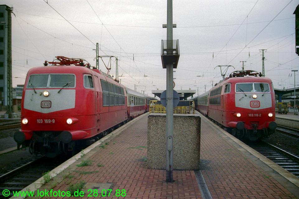 http://www.lokfotos.de/fotos/1988/0728/08566.jpg