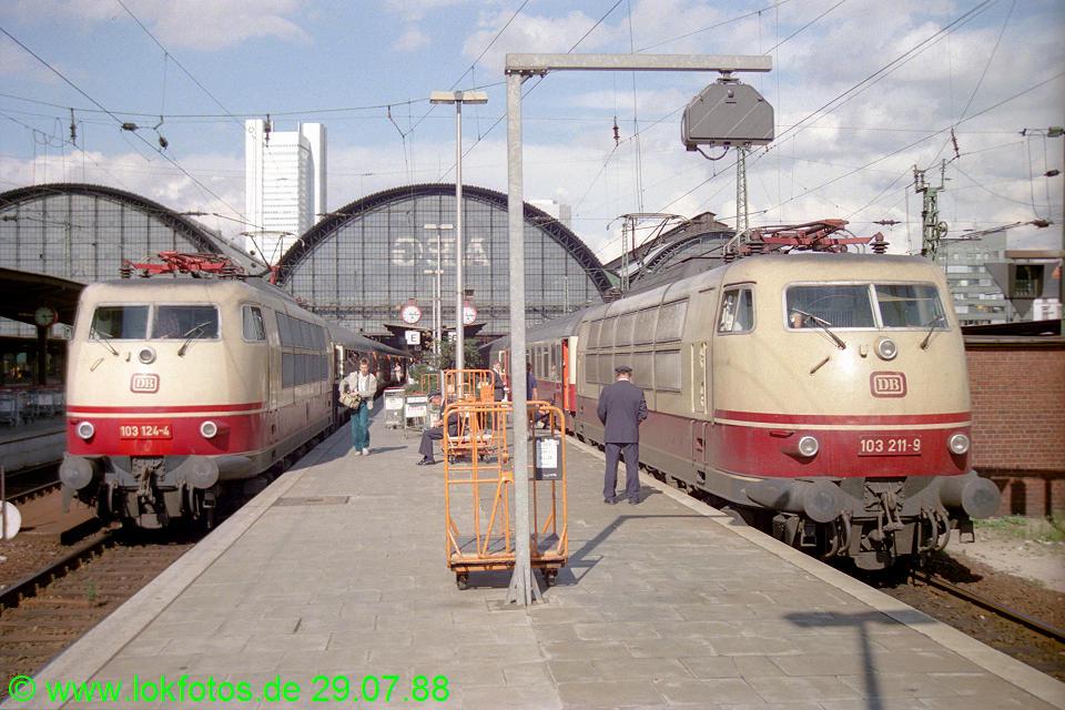 http://www.lokfotos.de/fotos/1988/0729/08621.jpg