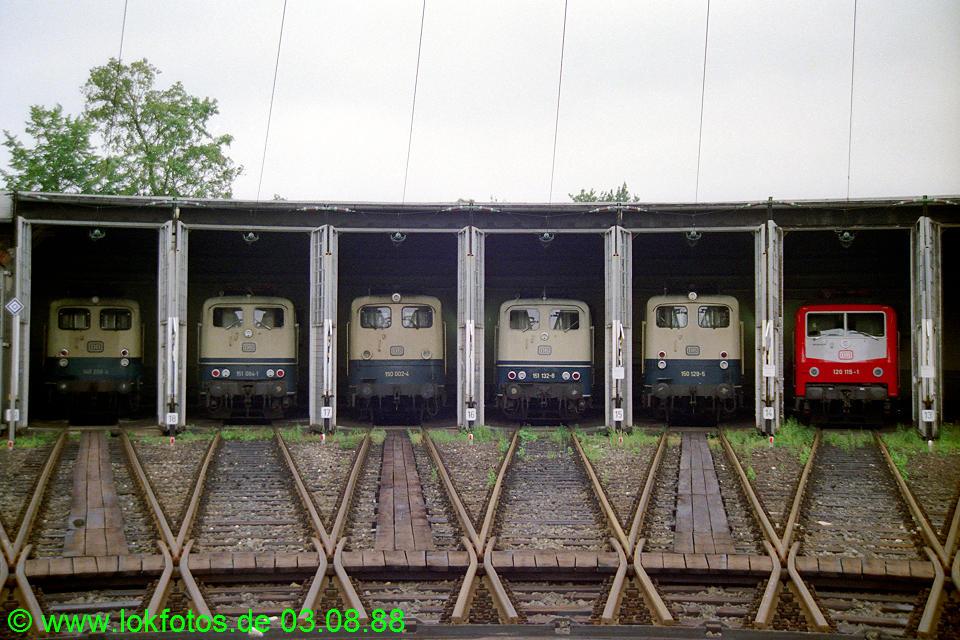 http://www.lokfotos.de/fotos/1988/0803/08747.jpg