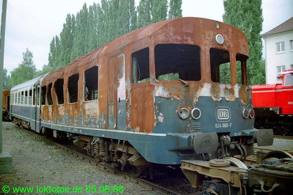http://www.lokfotos.de/fotos/1988/0805/08779.jpg