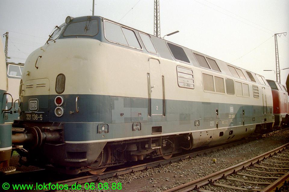 http://www.lokfotos.de/fotos/1988/0806/08908.jpg
