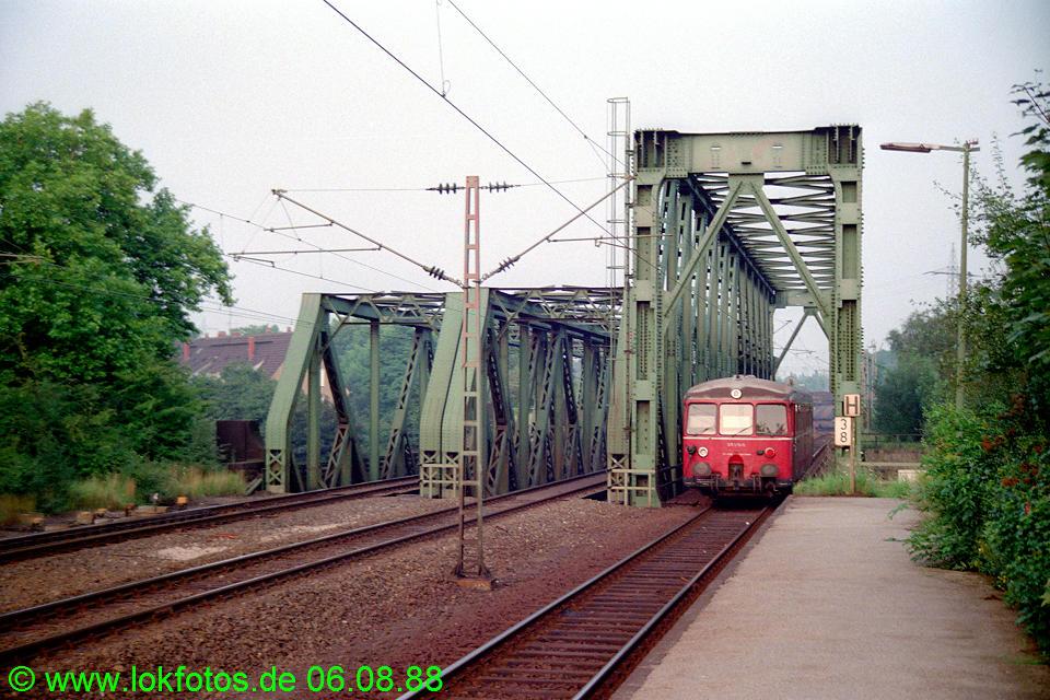 http://www.lokfotos.de/fotos/1988/0806/08923.jpg