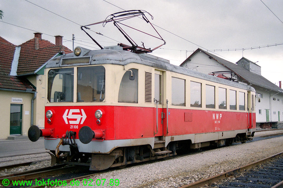 http://www.lokfotos.de/fotos/1989/0702/09398.jpg