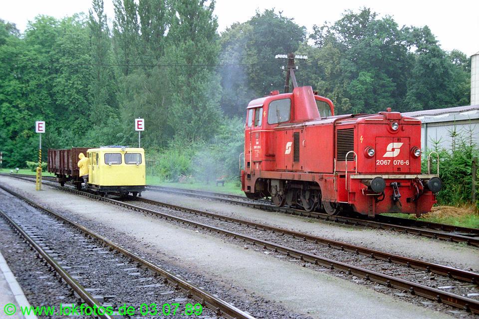 http://www.lokfotos.de/fotos/1989/0703/09406.jpg