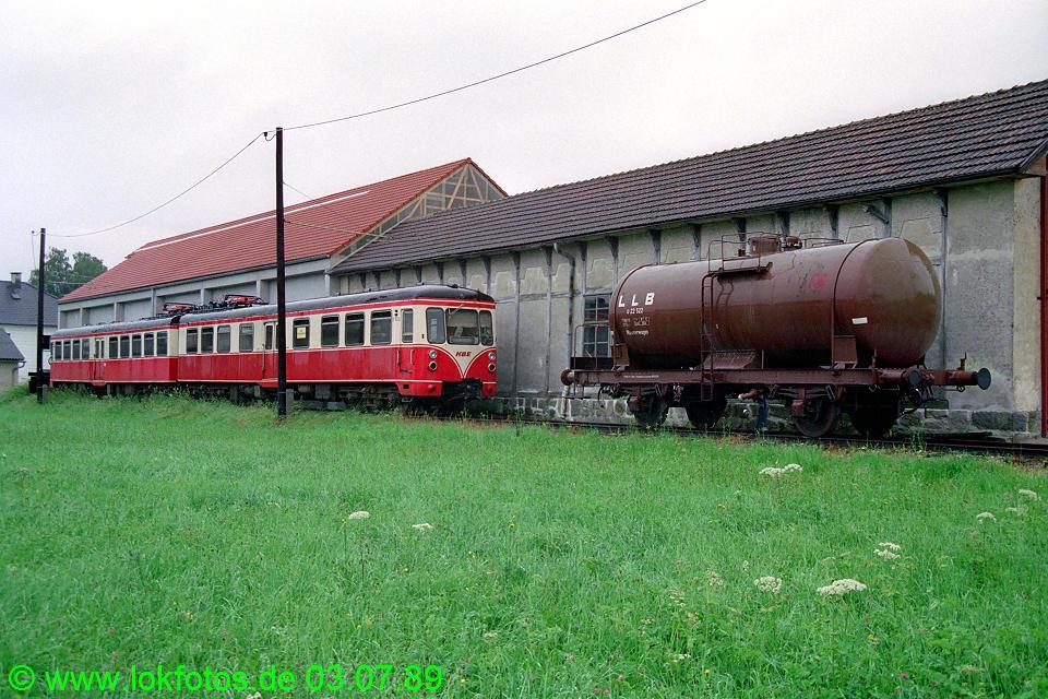 http://www.lokfotos.de/fotos/1989/0703/09410.jpg
