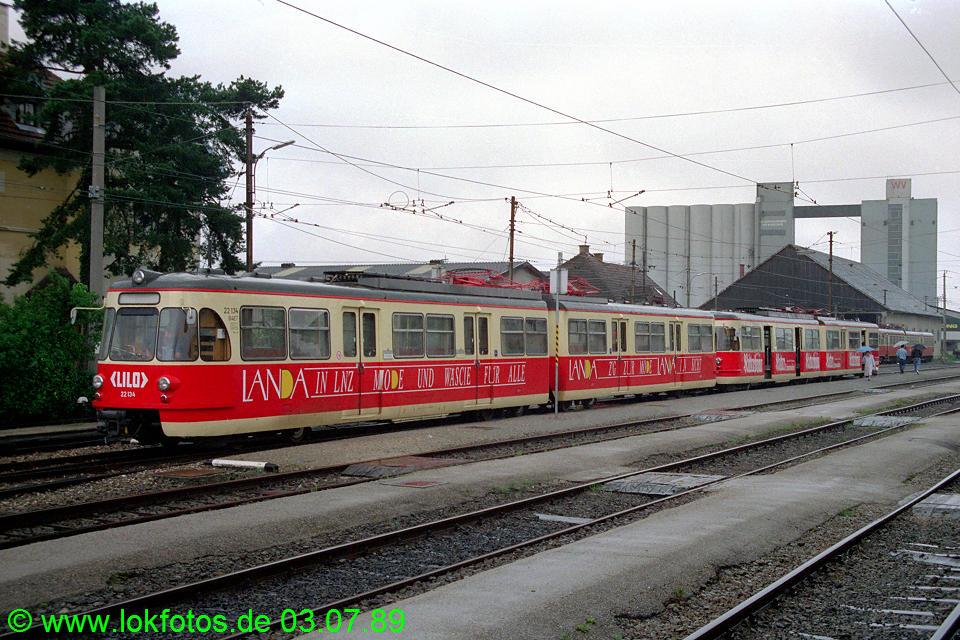 http://www.lokfotos.de/fotos/1989/0703/09417.jpg