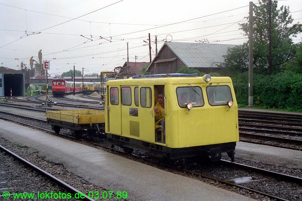http://www.lokfotos.de/fotos/1989/0703/09429.jpg