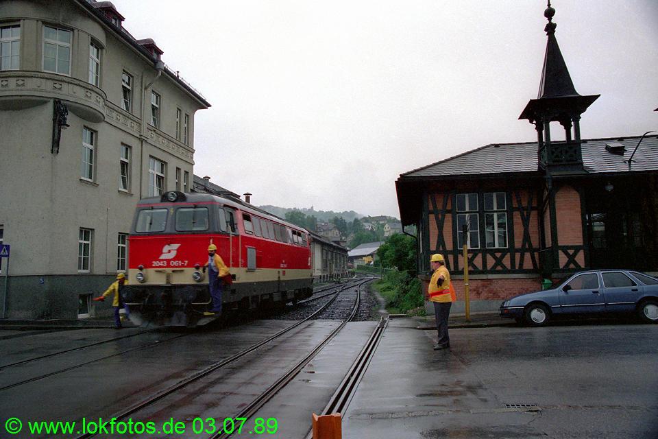 http://www.lokfotos.de/fotos/1989/0703/09435.jpg
