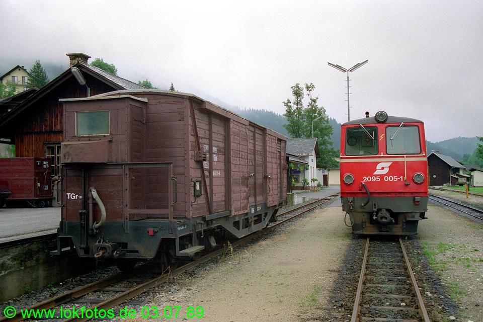 http://www.lokfotos.de/fotos/1989/0703/09462.jpg