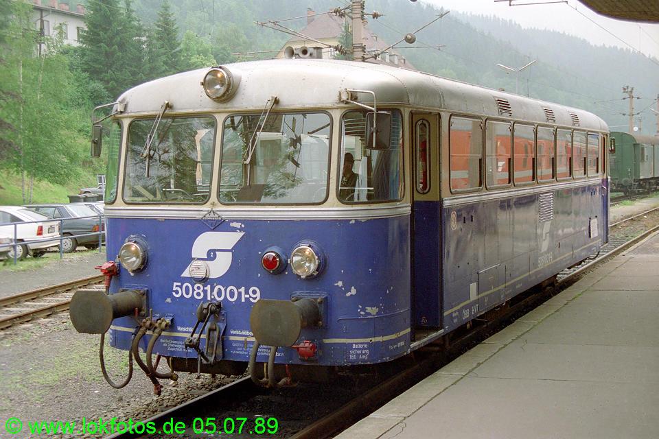 http://www.lokfotos.de/fotos/1989/0705/09519.jpg