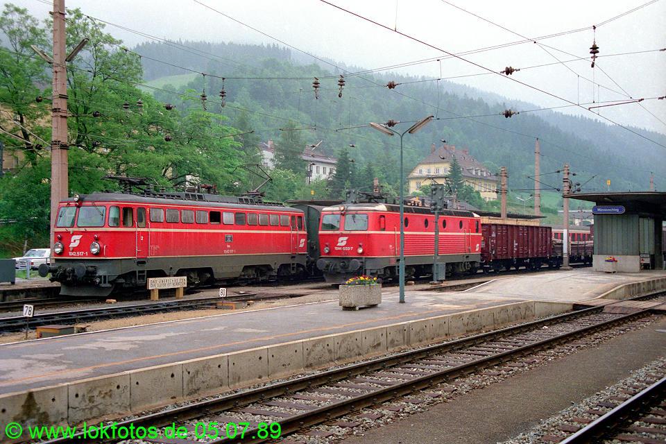 http://www.lokfotos.de/fotos/1989/0705/09522.jpg