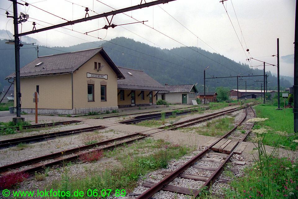 http://www.lokfotos.de/fotos/1989/0706/09527.jpg