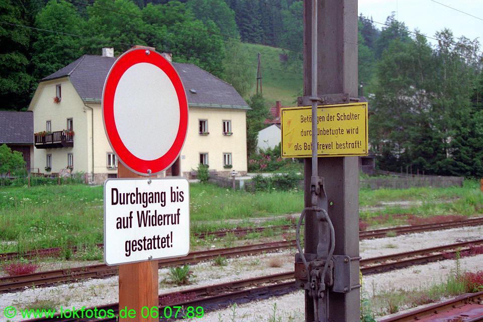 http://www.lokfotos.de/fotos/1989/0706/09528.jpg