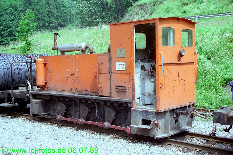 http://www.lokfotos.de/fotos/1989/0706/09534.jpg
