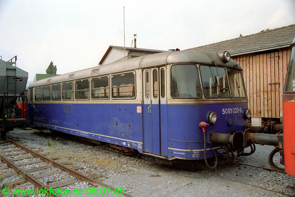 http://www.lokfotos.de/fotos/1989/0706/09560.jpg