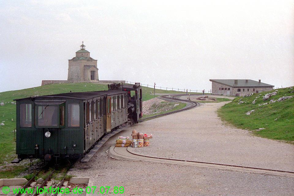 http://www.lokfotos.de/fotos/1989/0707/09595.jpg