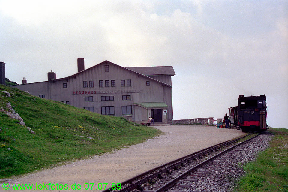 http://www.lokfotos.de/fotos/1989/0707/09596.jpg